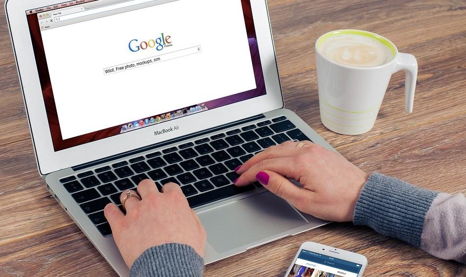 Google va interdire la publicité liée à la crypto-monnaie et aux options binaires
