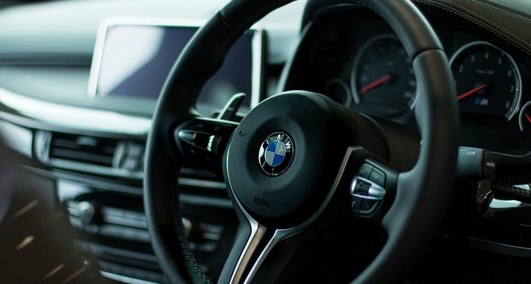 BMW sélectionne 2 startups blockchain pour développer des solutions innovantes