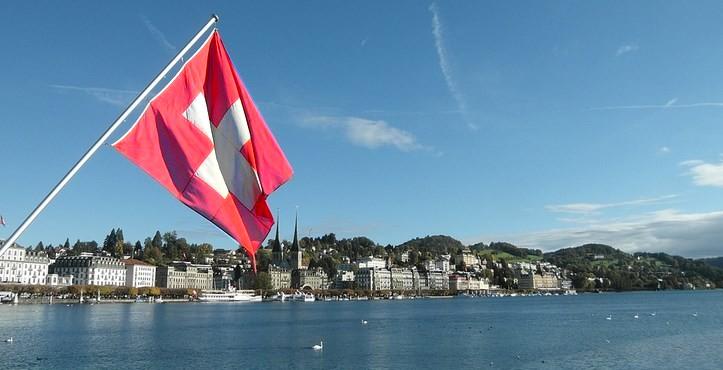 Suisse : la FINMA exhorte les banques à traiter les crypto-actifs avec prudence