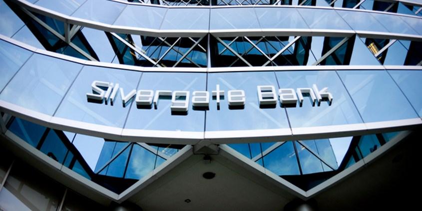 """La banque américaine Silvergate Bank, dont la clientèle est principalement constituée d'entreprises spécialisées dans la crypto-monnaie, a conquis plus de 50 nouveaux """"crypto-clients"""" durant le 4ème trimestre 2018, portant leur…"""