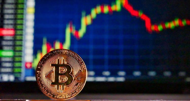 Bitcoin (BTC) : scénario technique immédiat et sources de la hausse de la volatilité