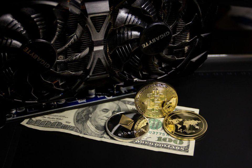 combien dargent le minage de bitcoin gagne-t-il