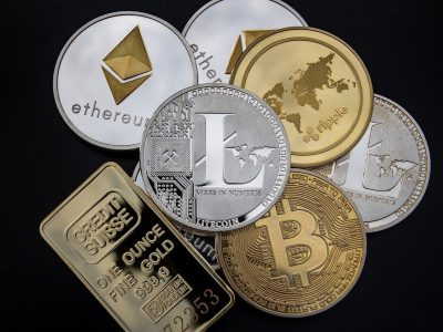 Plusieurs pieces de cryptos