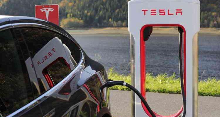 Tesla achète pour 1,5 Md $ de Bitcoin et catapulte la crypto à un nouvel ATH