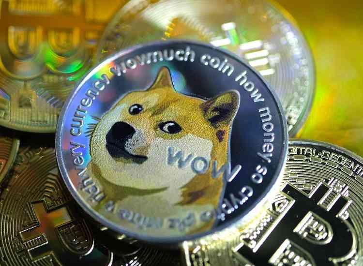 Dogecoin nouveau champion de la popularité, devant Bitcoin - Cryptonaute